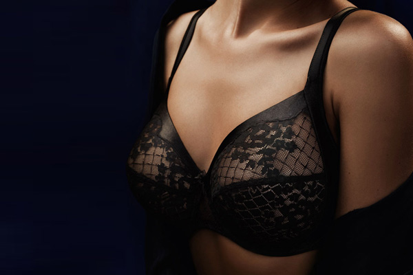 Melody-full-seamed-wire-bra-in-black-style-1786